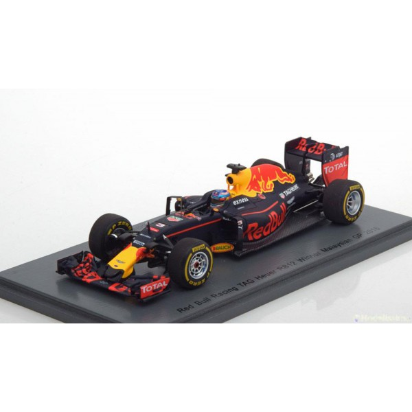 Red Bull TAG Heuer RB12 Winner GP Malaysia