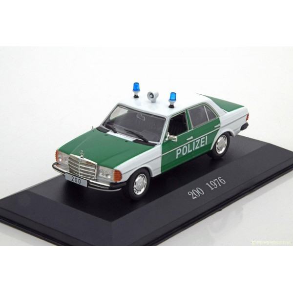 Mercedes 200 W123 Police